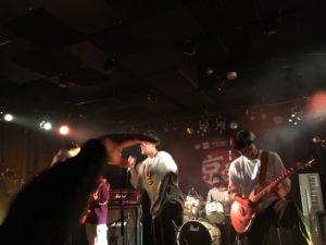京学バンドクラブの入学式ライブの様子
